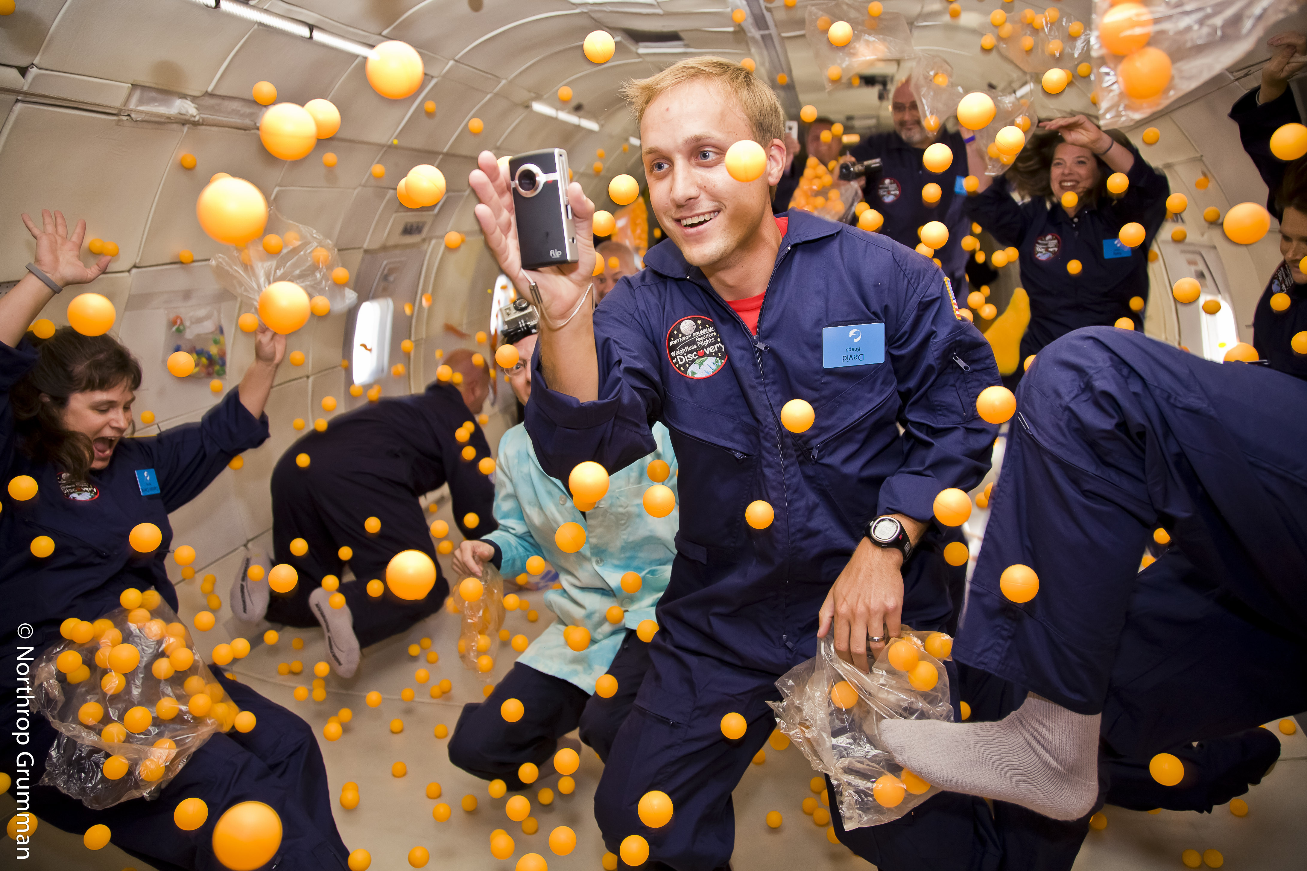astronauts in space feel weightless because they - photo #28